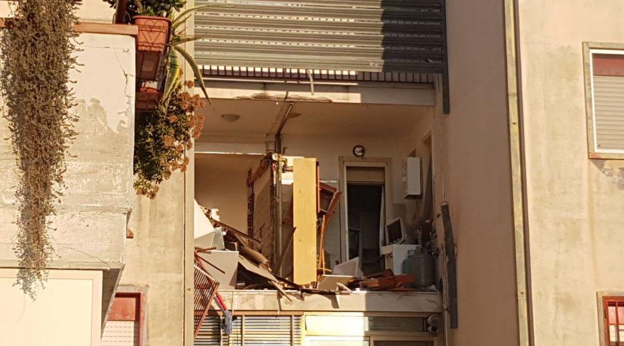 Esplosione in una veranda a Catania nel quartiere Librino