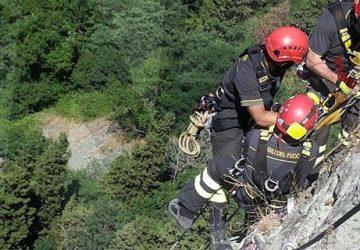 Motociclista catanese finisce in fondo ad un dirupo. Soccorso dai vigili del fuoco