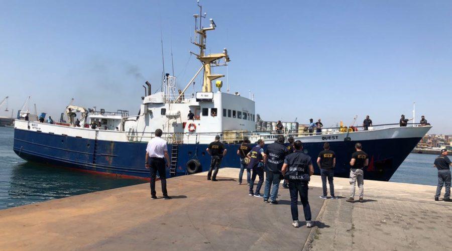 Catania, sequestrate oltre 10 tonnellate di hashish a bordo di una motonave per un valore di 1,2 miliardi di euro. Nove arresti VIDEO