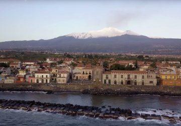 Torre Archirafi, torna l'isola pedonale nel borgo marinaro