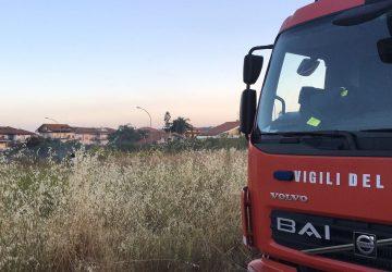 Mascali, incendio rifiuti in via Torrente Vallonazzo