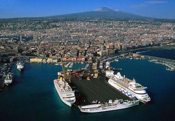 Controlli serrati della polizia al porto di Catania