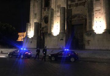 Catania, controlli a tappeto dei carabinieri: lavoro nero e abusivismo alimentare