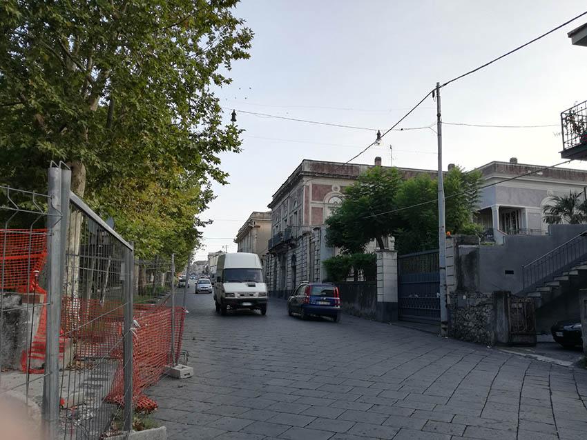 Giarre, sicurezza stradale in via Finocchiaro Aprile: si aspetta il morto per intervenire?