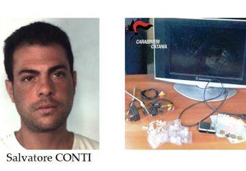 """Catania, spacciavano """"coca"""" a San Cristoforo protetti dalla telecamera: due arresti VIDEO"""