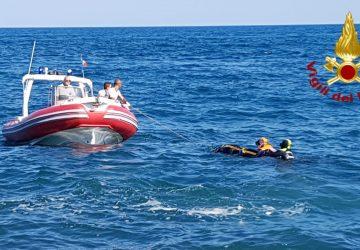 Catania, recuperato dai sommozzatori dei Vigili del fuoco un cadavere in mare VIDEO