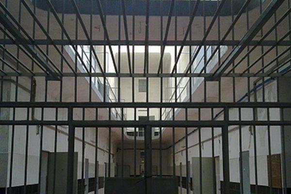Catania, agente di polizia penitenziaria aggredito a Bicocca da un detenuto: la denuncia dei sindacati
