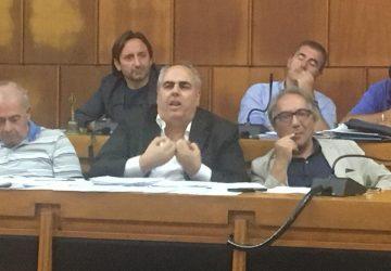 """Giarre, il silenzio del sindaco su presunti errori sul calcolo dei rimborsi ai consiglieri. Sullo sfondo un clima """"torbido"""""""