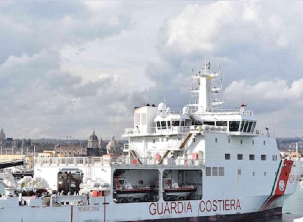 """Nave """"Diciotti"""": atti Conte-Di Maio a Catania"""
