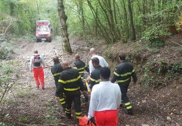 Taormina, turista inglese finisce in fondo ad una scarpata: salvato dai Vigili del fuoco