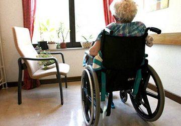 Anziani abbandonati a loro stessi: sospesa l'attività di una Rsa nel Catanese. Denunciato dai Nas il titolare