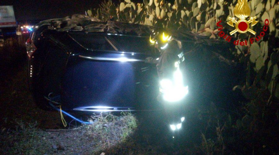 Grave incidente sulla Ss121, intervento dei Vigili del fuoco
