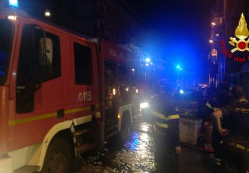 Mascali, incendio auto nella notte in via Vespucci