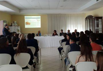 """Conferenza sul tema """"Un mondo senza fame"""" all'IPSSEOA di Giarre"""