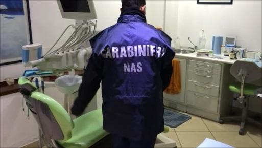 Catania: denunciati falsi dentisti. Sequestrato studio odontoiatrico abusivo a Picanello