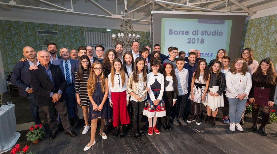 Borse di studio per 32 mila euro ai figli dei dipendenti Ergon, società leader nella grande distribuzione