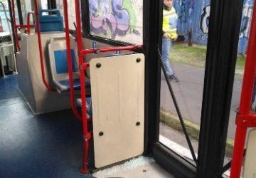 Catania, tifosi del Catanzaro danneggiano bus Amt: identificati dalla Digos