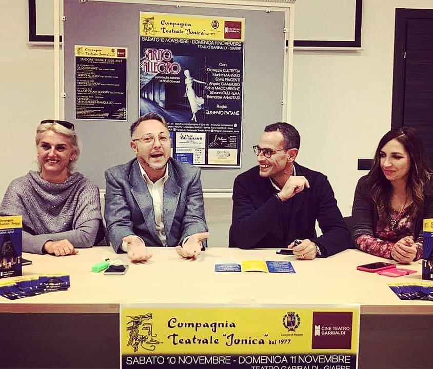 """Teatro: presentata la commedia """"Spirito Allegro"""" rappresentata dalla Compagnia Teatrale Jonica"""