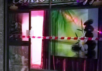 """Sequestrato centro massaggi a """"luci rosse"""": arrestata la maitresse"""
