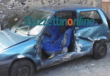 """Mascali, terribile impatto sulla via """"Giarre-Piedimonte"""": intervento dei Vigili del fuoco"""