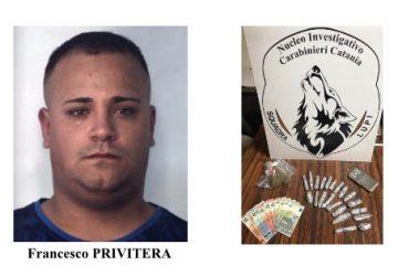 Spacciava droga nel parco giochi comunale davanti ai bambini: arrestato VIDEO