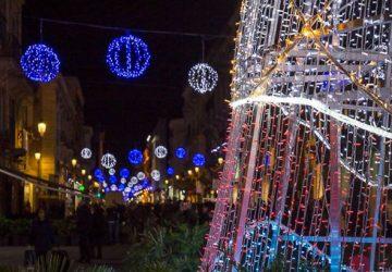 """Natale a Catania, il sindaco Pogliese lancia appello ai commercianti: """"Non spegniamo le luci sulla città"""""""