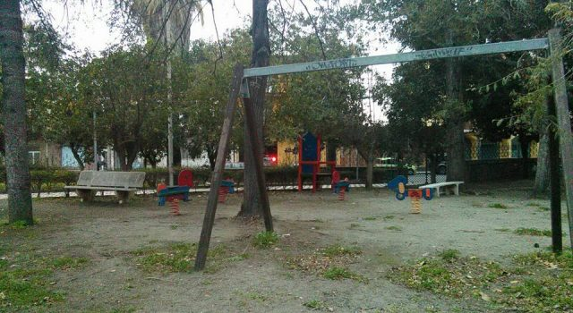 Fiumefreddo, la minoranza chiede il ripristino della sicurezza della villa comunale e del campetto di Feudogrande