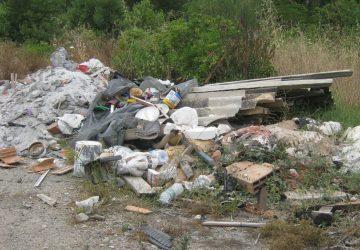 Giarre, scoperte dalla Forestale altre due bombe ecologiche: gravi i reati ambientali