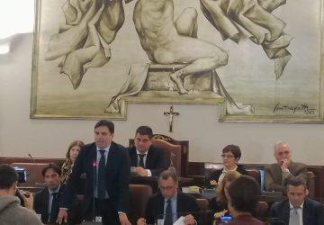 Catania, deliberato il dissesto dell'ente. Buco da 1,6 miliardi di euro