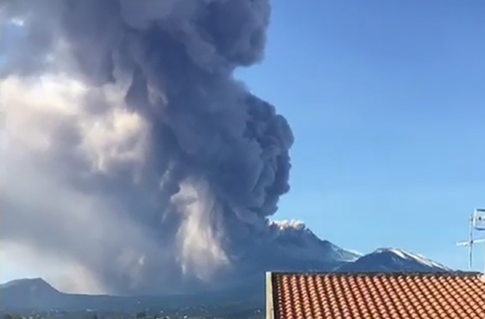 Etna, trema ancora la terra: nella notte scossa di magnitudo 2.9