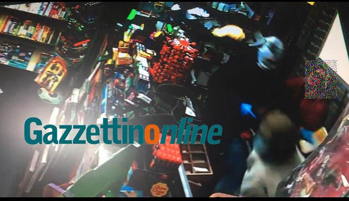 Giarre, rapina a mano armata alla centralissima edicola di via Callipoli VIDEO
