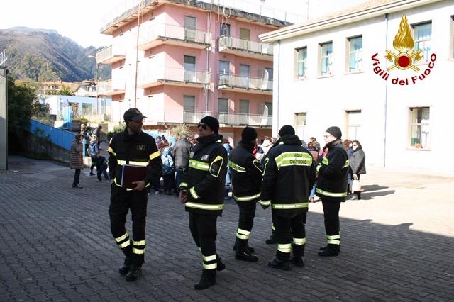 Zafferana, nuova scossa di terremoto, intervento dei Vigili del fuoco nelle scuole