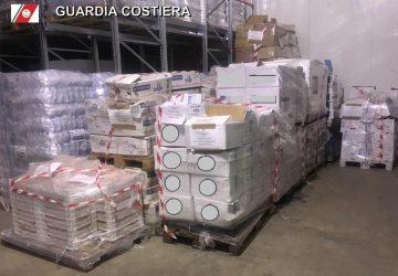 """Riposto, Operazione """"Confine illegale"""": sequestrati oltre 6 tonnellate di pesce privo di tracciabilita' e sottomisura"""