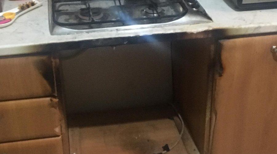 Giarre prende fuoco un forno ad incasso paura in un for Mobilia francavilla
