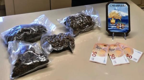 Calatabiano, arrestato un imprenditore sorpreso con un chilo di marijuana