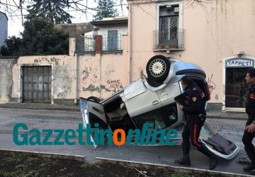 Giarre, pauroso incidente in piazza Carmine FOTO-VIDEO