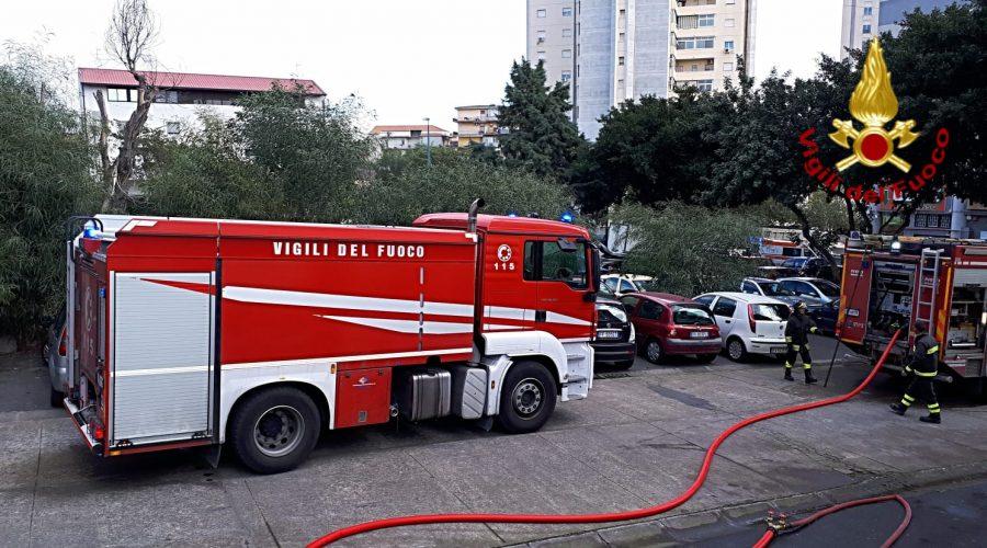 Catania, divampa un incendio in un alloggio di viale Bummacaro: intervento dei Vigili del fuoco