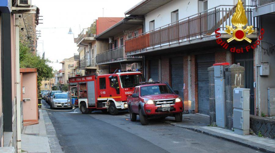 San Giovanni la Punta, incendio in un appartamento