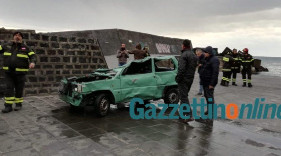 Tragedia di Santa Maria la Scala, recuperati due corpi e l'auto VIDEO – FOTO