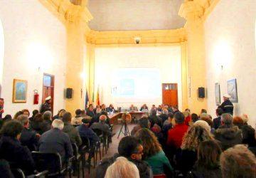 """Francavilla di Sicilia ed il caso scuola: un """"terrificante"""" Consiglio Comunale"""