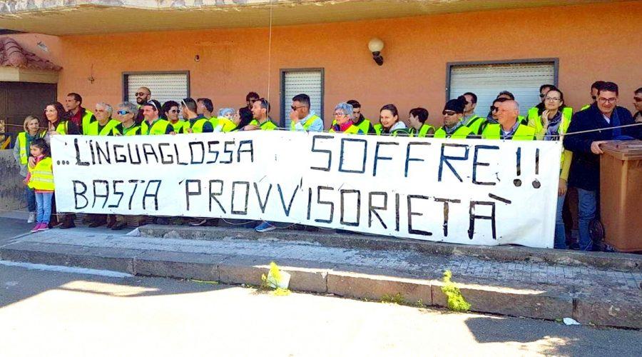 Linguaglossa: operatori economici in piazza per manifestare il loro malessere