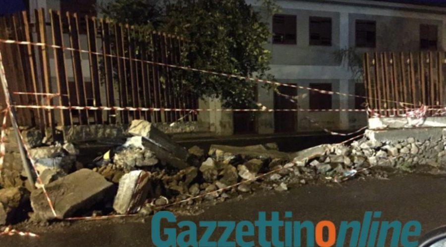Giarre, crolla, a causa di un grave incidente, muro della scuola media di Trepunti