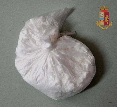 Adrano, arrestato spacciatore di cocaina che aveva forzato un posto di controllo