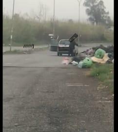 Mascali, emergenza discariche: telecamere incastrano sporcaccioni FOTO