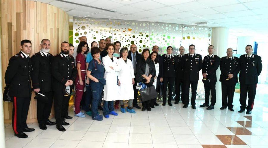 Auguri e uova pasquali in dono dall'Arma dei Carabinieri ai piccoli pazienti del Policlinico di Catania