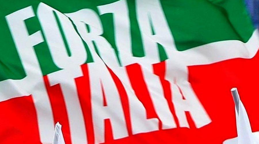 Europee, Forza Italia ufficializza la lista: La Via resta a casa. Pogliese e Catanoso lasciano il partito