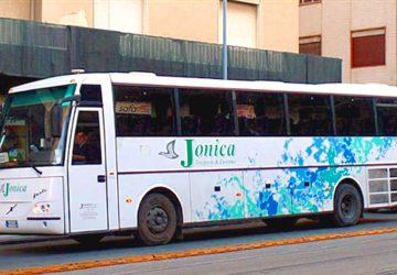 """""""Jonica Trasporti e Turismo"""": a rischio un servizio pubblico e diciotto posti di lavoro"""
