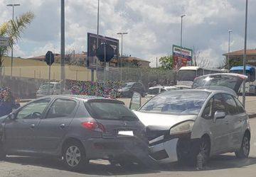 Riposto, incidente in via Mattarella