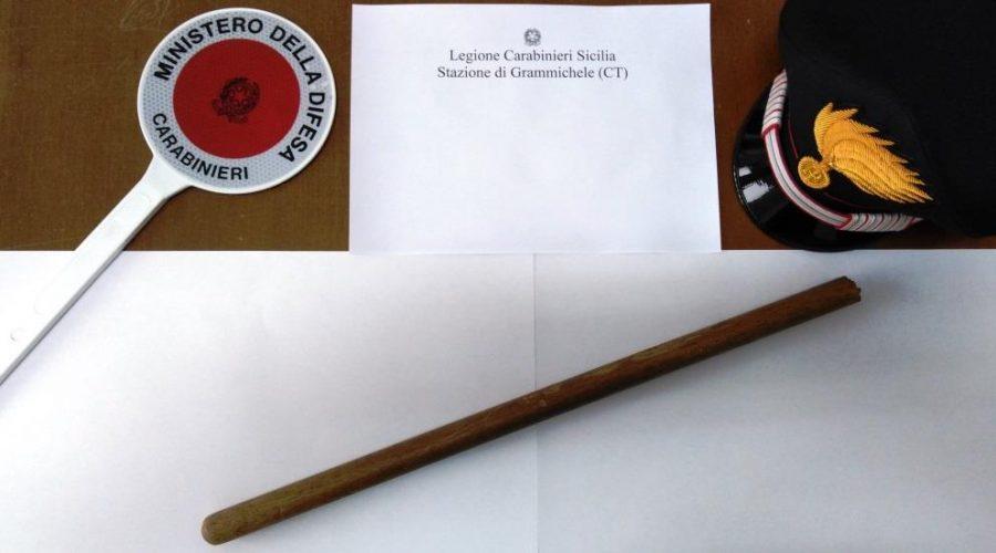 Grammichele, armato di bastone minaccia prima la ex e poi i carabinieri: arrestato