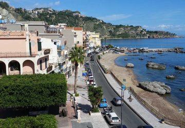 A Giardini Naxos riapre la Torre spagnola